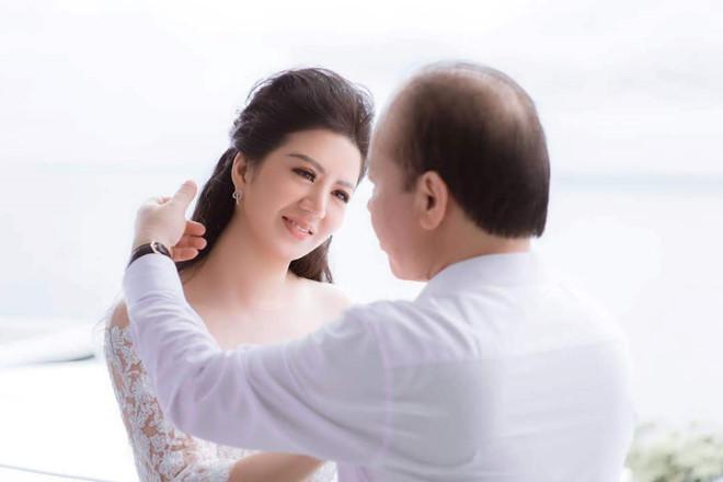 Ca sĩ Đinh Hiền Anh làm lễ cưới với Thứ trưởng Bộ Tài chính-1