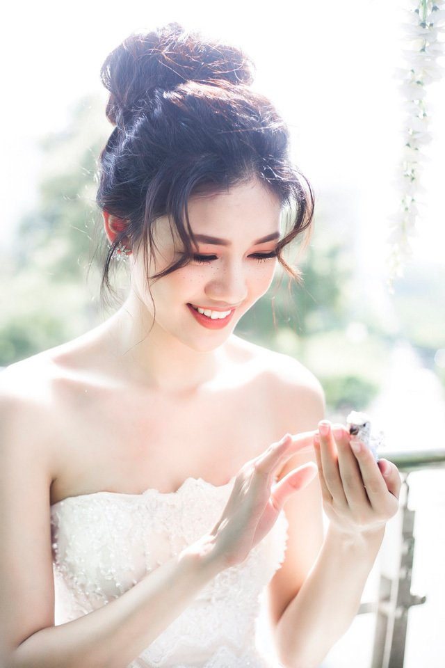 Á hậu Thanh Tú xác nhận tổ chức đám cưới với bạn trai U40 vào tháng 12 tới-1