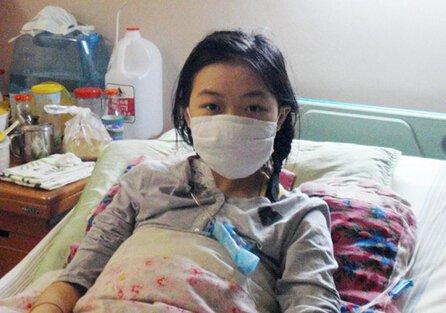 Dùng giấy vệ sinh sai cách, cô gái 20 tuổi bị ung thư cổ tử cung-1