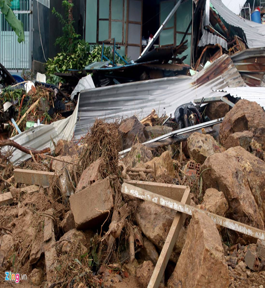 Hiện trường lũ cuốn, sạt lở làm 12 người tử vong ở Nha Trang-5