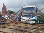Khánh Hòa: Sạt lở, ngập lụt khắp nơi, đường vào sân bay tê liệt-25