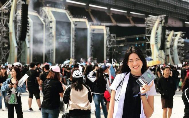 Nhiều CĐV xin được chấn thương vì bóng hồng của ĐT Thái Lan quá xinh đẹp-5