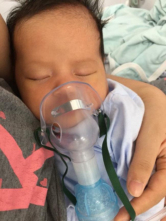 Con 13 ngày tuổi bị nhiễm virus RSV, mẹ Việt cảnh báo: Đằng sau nụ hôn là cánh cửa bệnh viện-2