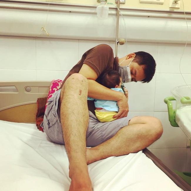 Con 13 ngày tuổi bị nhiễm virus RSV, mẹ Việt cảnh báo: Đằng sau nụ hôn là cánh cửa bệnh viện-3