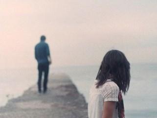 Cặp vợ chồng ai trông cũng thấy ngời ngời hạnh phúc nhưng cô vợ lại có một bí mật động trời được cất giấu