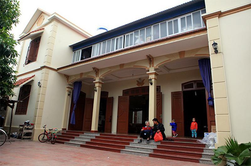 4 gia đình con đàn cháu đống đông nhất Việt Nam, riêng vua đẻ có tới 2 vợ, 21 con-4