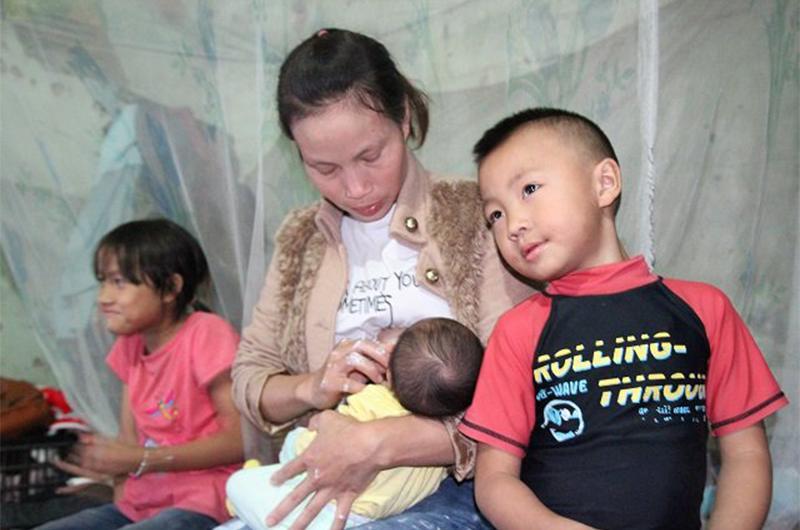 4 gia đình con đàn cháu đống đông nhất Việt Nam, riêng vua đẻ có tới 2 vợ, 21 con-13