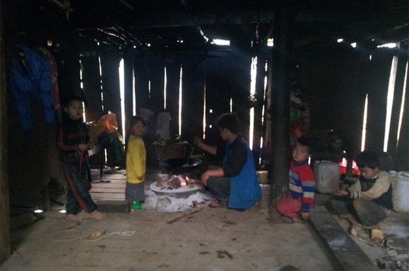 4 gia đình con đàn cháu đống đông nhất Việt Nam, riêng vua đẻ có tới 2 vợ, 21 con-17
