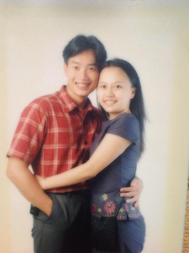 Sau 15 năm kết hôn, MC đình đám của VTV mới khoe ảnh cận mặt vợ, nhan sắc cô ấy khiến ai nấy bất ngờ-5