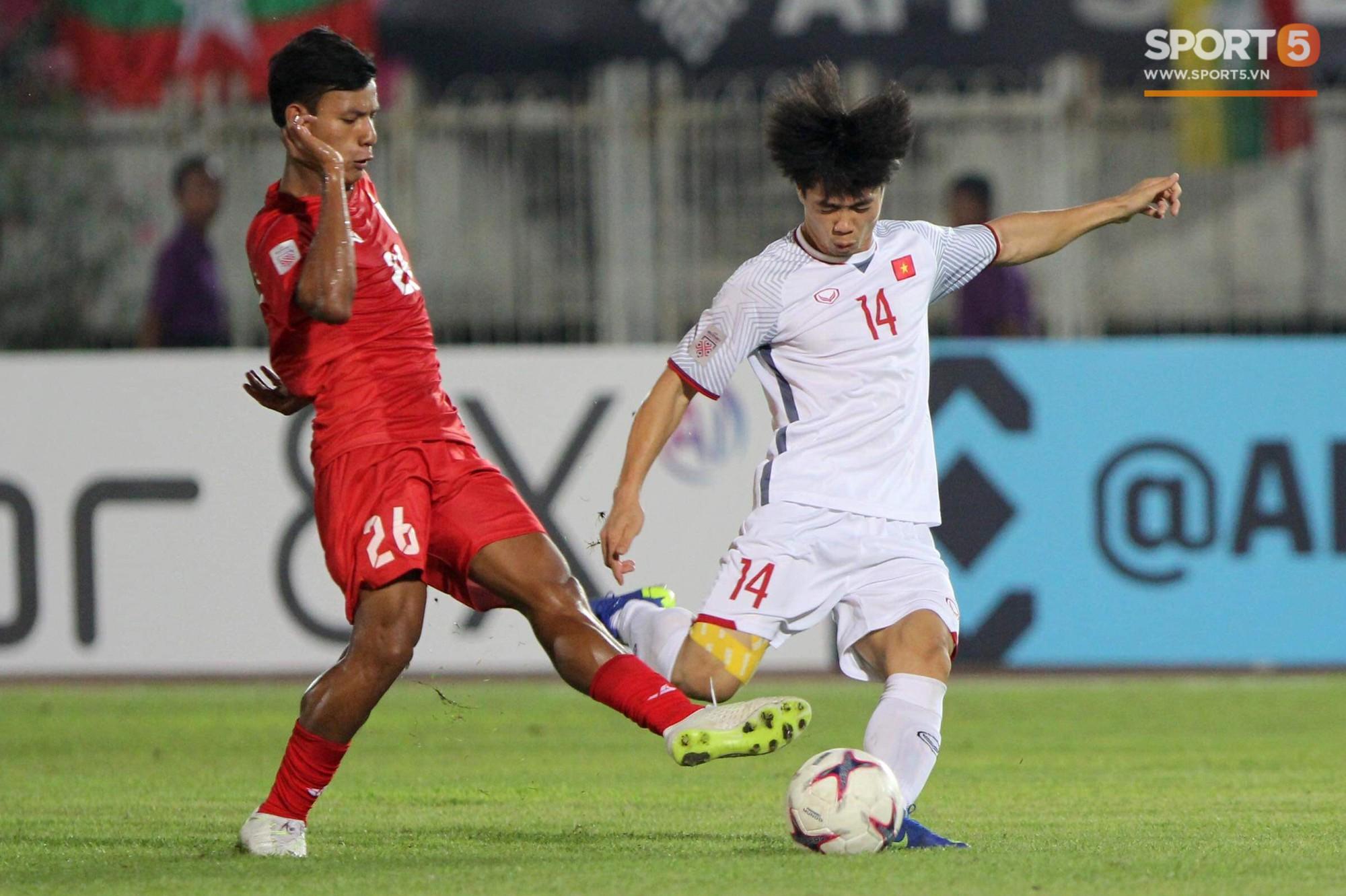 Vì sao cầu thủ tuyển Việt Nam sút trượt liên tiếp trong trận gặp Myanmar?-1
