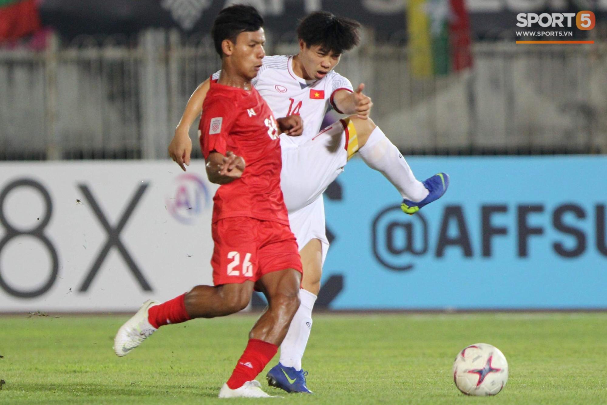 Vì sao cầu thủ tuyển Việt Nam sút trượt liên tiếp trong trận gặp Myanmar?-2