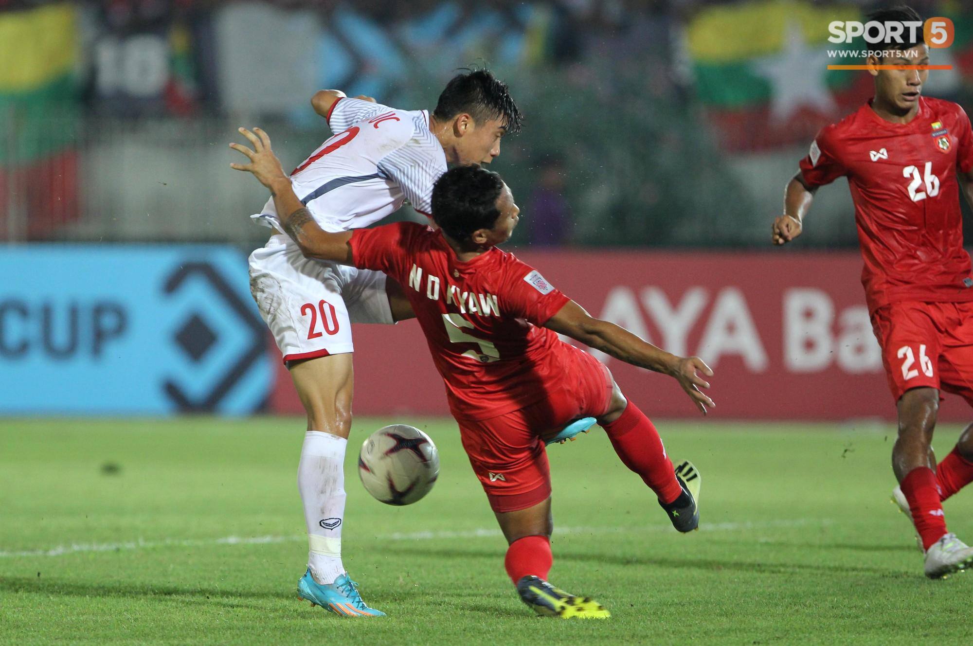 Vì sao cầu thủ tuyển Việt Nam sút trượt liên tiếp trong trận gặp Myanmar?-3