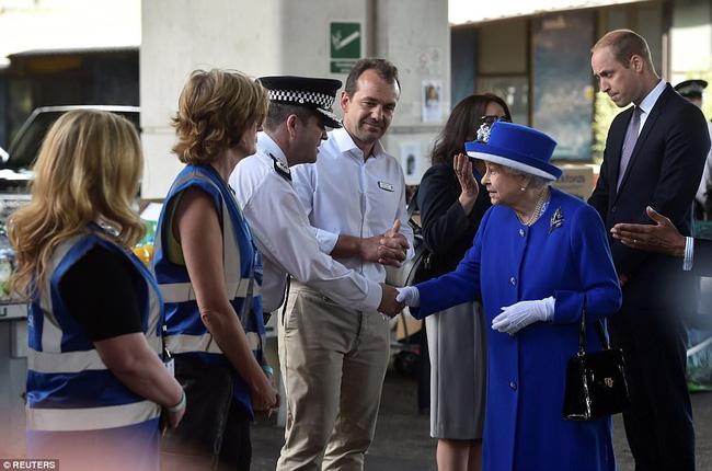 Nữ hoàng Anh đã rút ra một bài học lớn, có sự thay đổi lột xác sau cái chết của con dâu Diana-3