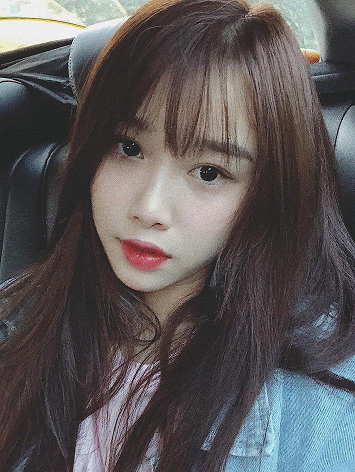 Bạn gái xinh như thiên thần của Văn Toàn khiến hội chị em buồn lòng-5