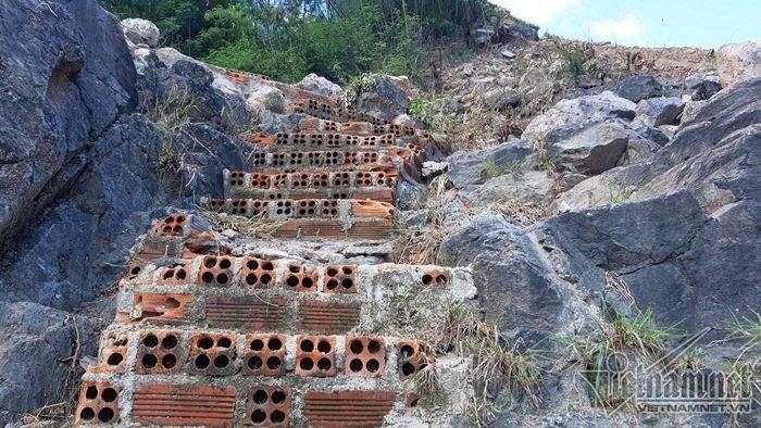Nha Trang sạt lở: Quả bom nước nổ trên đồi vùi chết cả nhà cô giáo-2