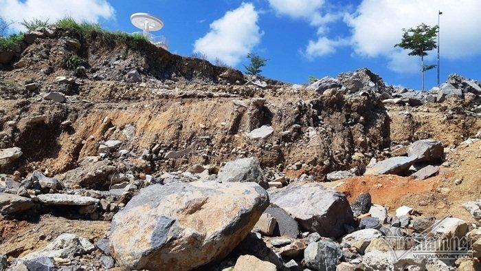 Nha Trang sạt lở: Quả bom nước nổ trên đồi vùi chết cả nhà cô giáo-4