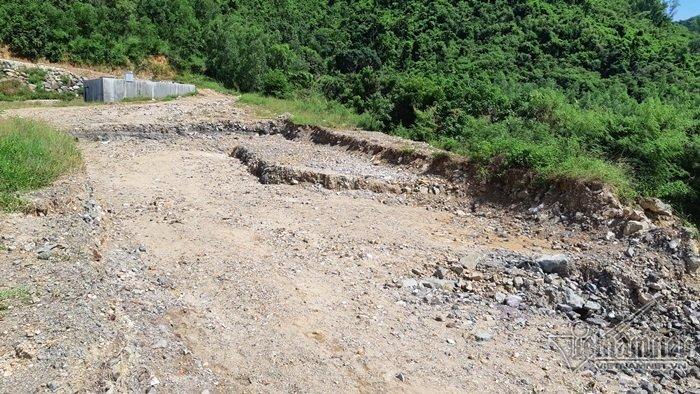 Nha Trang sạt lở: Quả bom nước nổ trên đồi vùi chết cả nhà cô giáo-5
