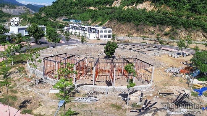 Nha Trang sạt lở: Quả bom nước nổ trên đồi vùi chết cả nhà cô giáo-8