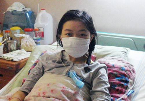 Cô gái 20 tuổi bị ung thư cổ tử cung, chỉ vì thường xuyên dùng giấy vệ sinh kiểu này-1