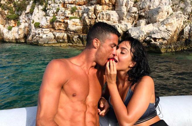 Tình sử đầy thị phi của Cristiano Ronaldo trước khi đính hôn: Từ siêu mẫu Victorias Secret đến tiểu thư nhà giàu lộ băng sex-12
