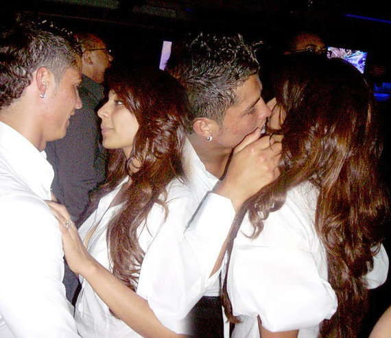 Tình sử đầy thị phi của Cristiano Ronaldo trước khi đính hôn: Từ siêu mẫu Victorias Secret đến tiểu thư nhà giàu lộ băng sex-5