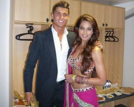 Tình sử đầy thị phi của Cristiano Ronaldo trước khi đính hôn: Từ siêu mẫu Victorias Secret đến tiểu thư nhà giàu lộ băng sex-4