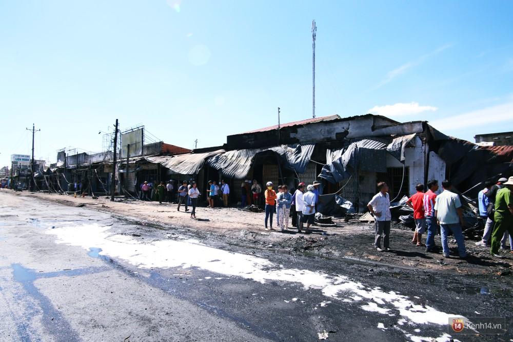 Hiện trường đổ nát sau vụ cháy kinh hoàng ở Bình Phước khiến 6 người tử vong, trong đó có 2 trẻ nhỏ-1