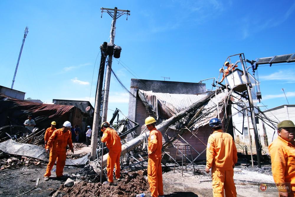 Hiện trường đổ nát sau vụ cháy kinh hoàng ở Bình Phước khiến 6 người tử vong, trong đó có 2 trẻ nhỏ-5