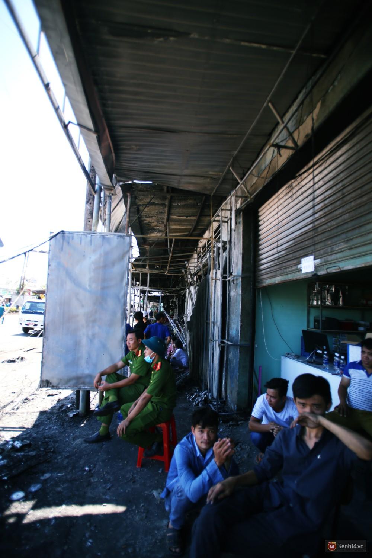 Hiện trường đổ nát sau vụ cháy kinh hoàng ở Bình Phước khiến 6 người tử vong, trong đó có 2 trẻ nhỏ-10