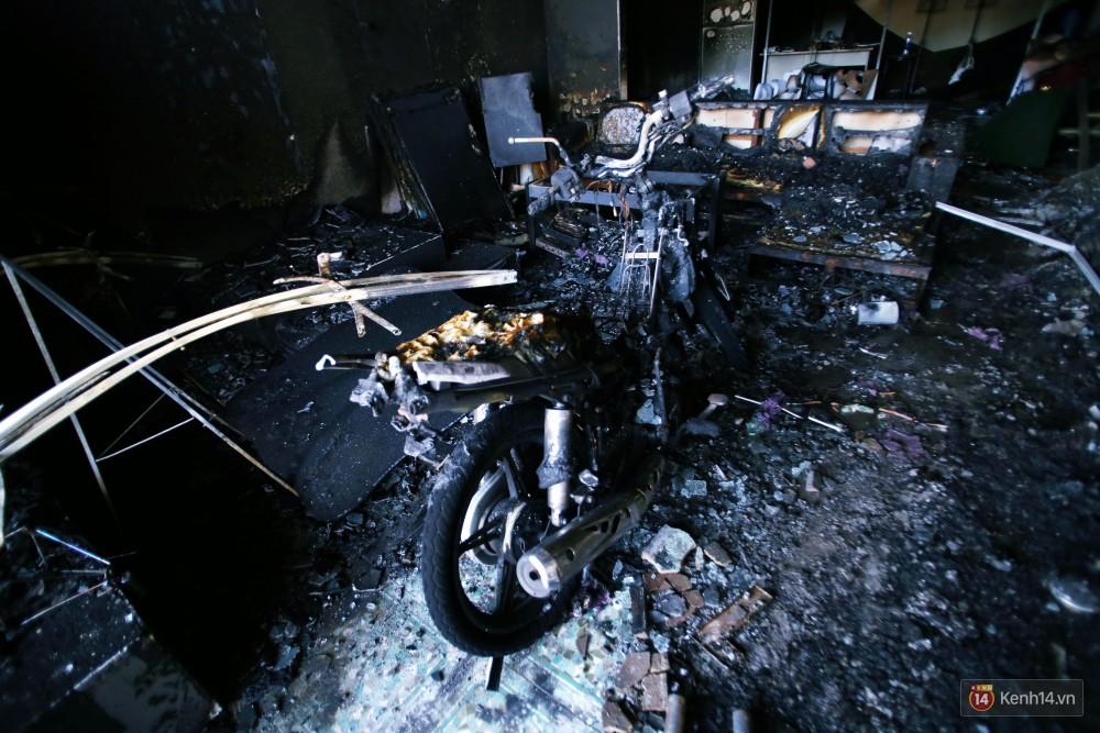Hiện trường đổ nát sau vụ cháy kinh hoàng ở Bình Phước khiến 6 người tử vong, trong đó có 2 trẻ nhỏ-17