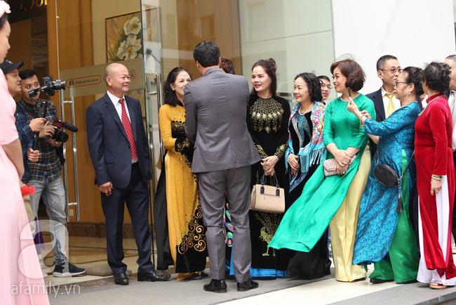 Cuối cùng chú rể của Á hậu Thanh Tú lộ diện, hóa ra lại là đại gia quen mặt đình đám trong giới doanh nhân Việt Nam-6
