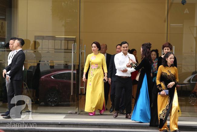 Cuối cùng chú rể của Á hậu Thanh Tú lộ diện, hóa ra lại là đại gia quen mặt đình đám trong giới doanh nhân Việt Nam-9