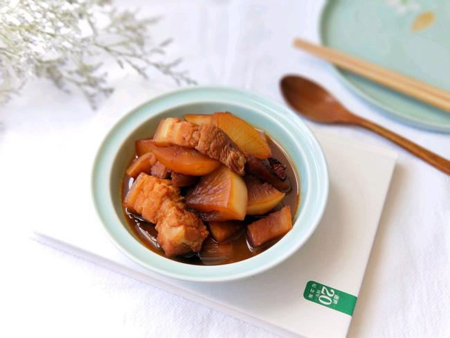 Mùa đông mà có món thịt kho với loại củ này thì ăn với cơm trắng ngon ngất ngây-1