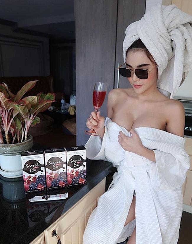 Nữ tú Thái Lan thi nhau khoe bảo bối dáng đẹp khi nấu bếp-14