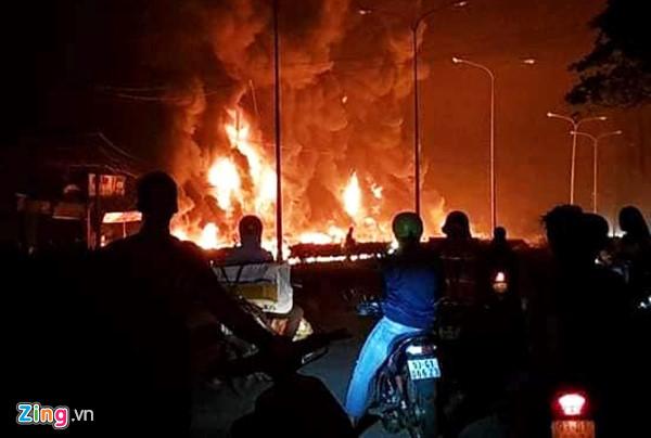 Cháy xe bồn chở xăng ở Bình Phước: Thần chết đến trong giấc ngủ-1