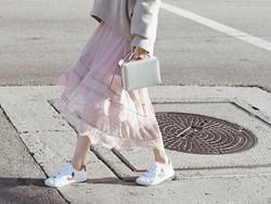 """Kết hợp cực """"ngọt"""" với mọi set đồ, sneakers chính là đôi giày phải sắm trong mùa đông năm nay"""