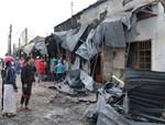 Nghẹn lòng cảnh chồng đưa thi thể vợ và 2 con nhỏ về quê sau vụ cháy xe bồn chở xăng ở Bình Phước-13