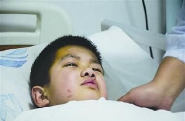 Cậu bé 7 tuổi bị ung thư gan giai đoạn cuối, nguyên nhân do chất độc có trong bếp hầu hết mọi gia đình-1