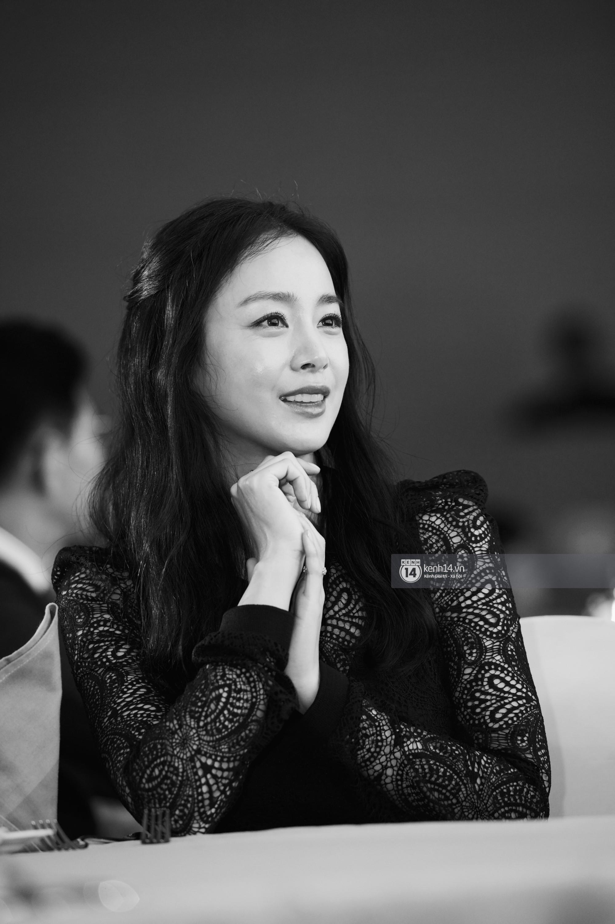 Bộ ảnh đẹp nhất của Kim Tae Hee tại đêm tiệc Hàn ở Hà Nội: Khoảnh khắc minh tinh châu Á hút hồn toàn bộ khán phòng-10