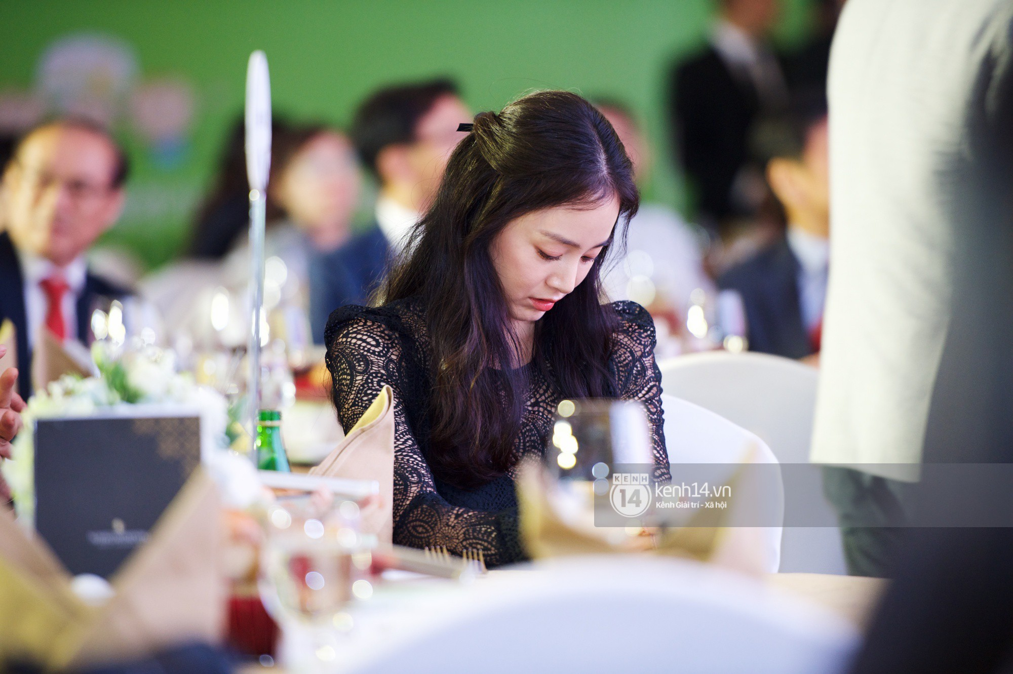 Bộ ảnh đẹp nhất của Kim Tae Hee tại đêm tiệc Hàn ở Hà Nội: Khoảnh khắc minh tinh châu Á hút hồn toàn bộ khán phòng-7