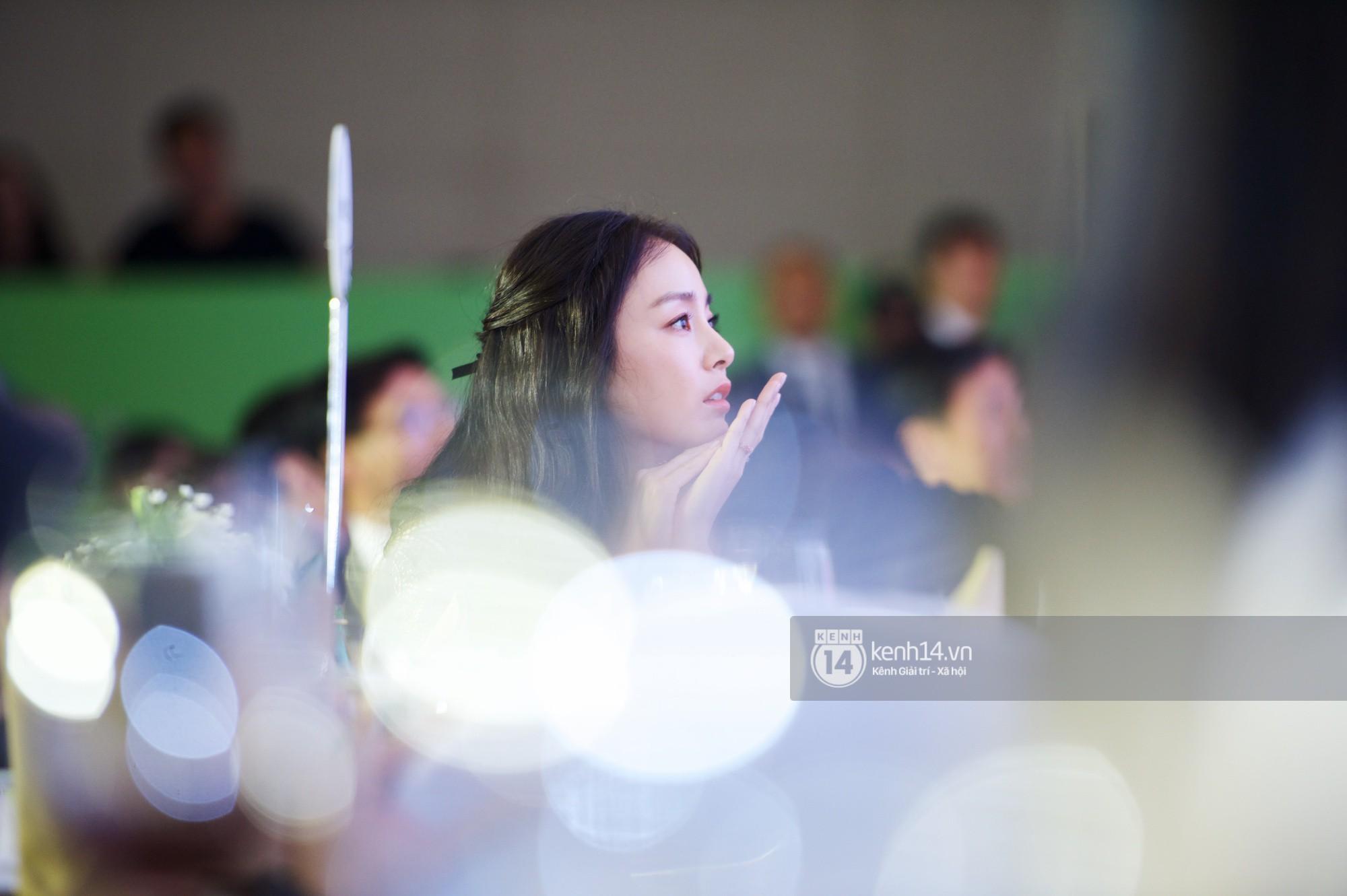 Bộ ảnh đẹp nhất của Kim Tae Hee tại đêm tiệc Hàn ở Hà Nội: Khoảnh khắc minh tinh châu Á hút hồn toàn bộ khán phòng-1