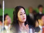 Vẻ đẹp của Kim Tae Hee: Từ nữ thần đại học đến biểu tượng nhan sắc, cả cái bóng phản chiếu trên tường cũng thừa sức gây sốt-16
