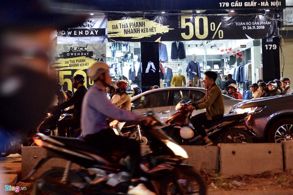 Hà Nội, Sài Gòn ùn tắc trong tối Black Friday-2