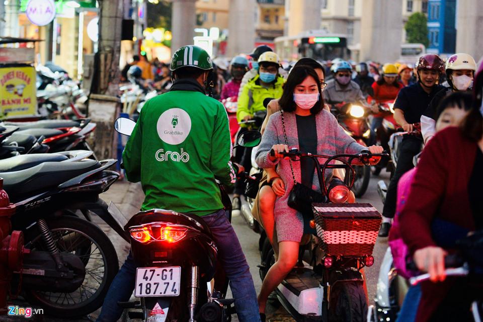 Hà Nội, Sài Gòn ùn tắc trong tối Black Friday-3