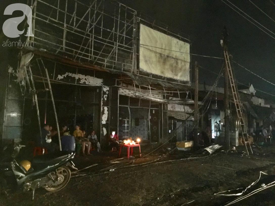 Nghẹn lòng cảnh chồng đưa thi thể vợ và 2 con nhỏ về quê sau vụ cháy xe bồn chở xăng ở Bình Phước-6