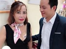 Hết khoe ngực lại đến hở đùi, cô dâu 62 tuổi ở Cao Bằng gây ngán ngẩm vì 'thời trang phang tuổi tác