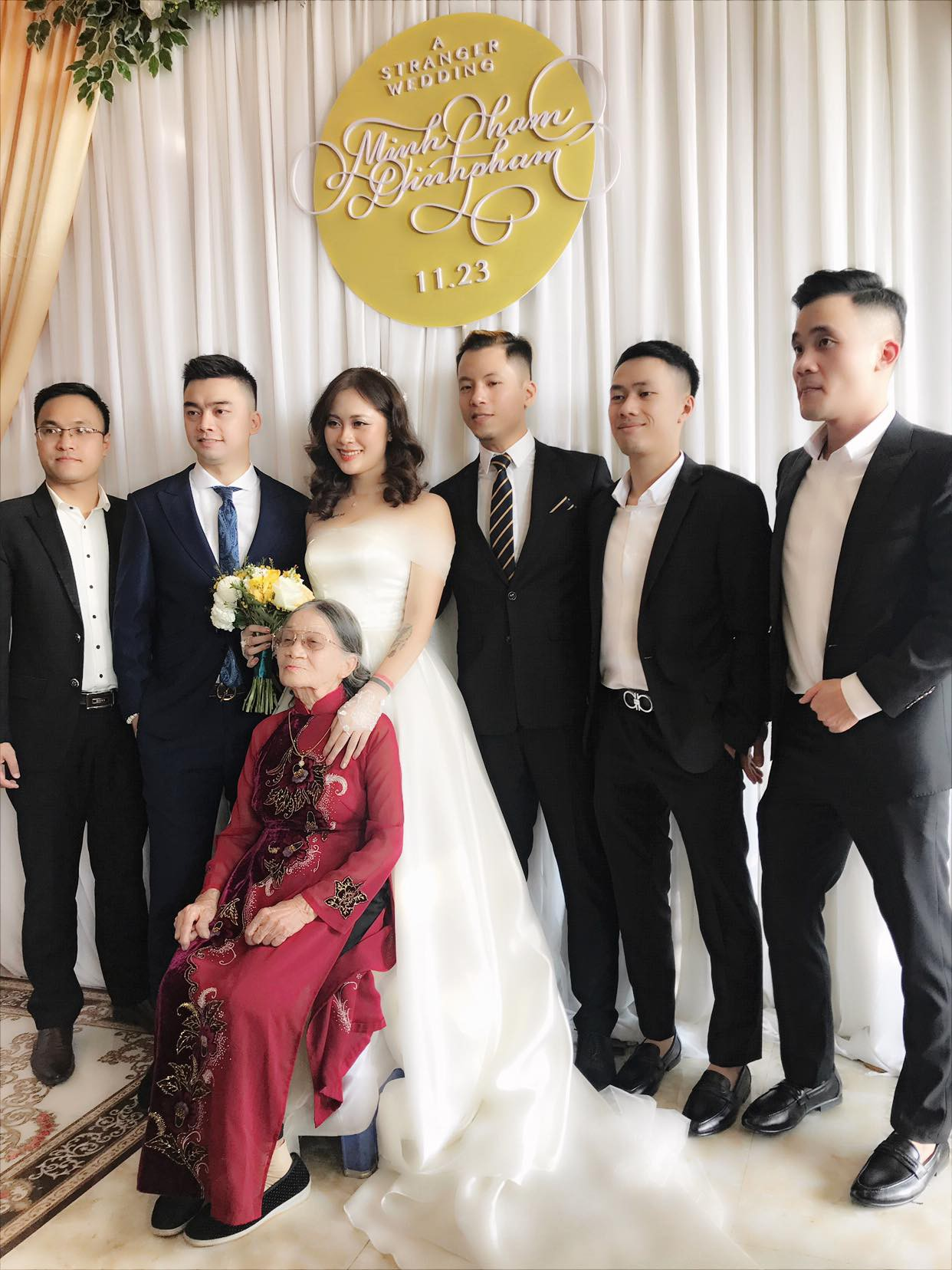 Con trai cơ phó vừa hủy hôn, con gái nghệ sĩ Hương Dung bất ngờ lên xe hoa, nhìn nhan sắc cô dâu ai cũng ngỡ ngàng-1