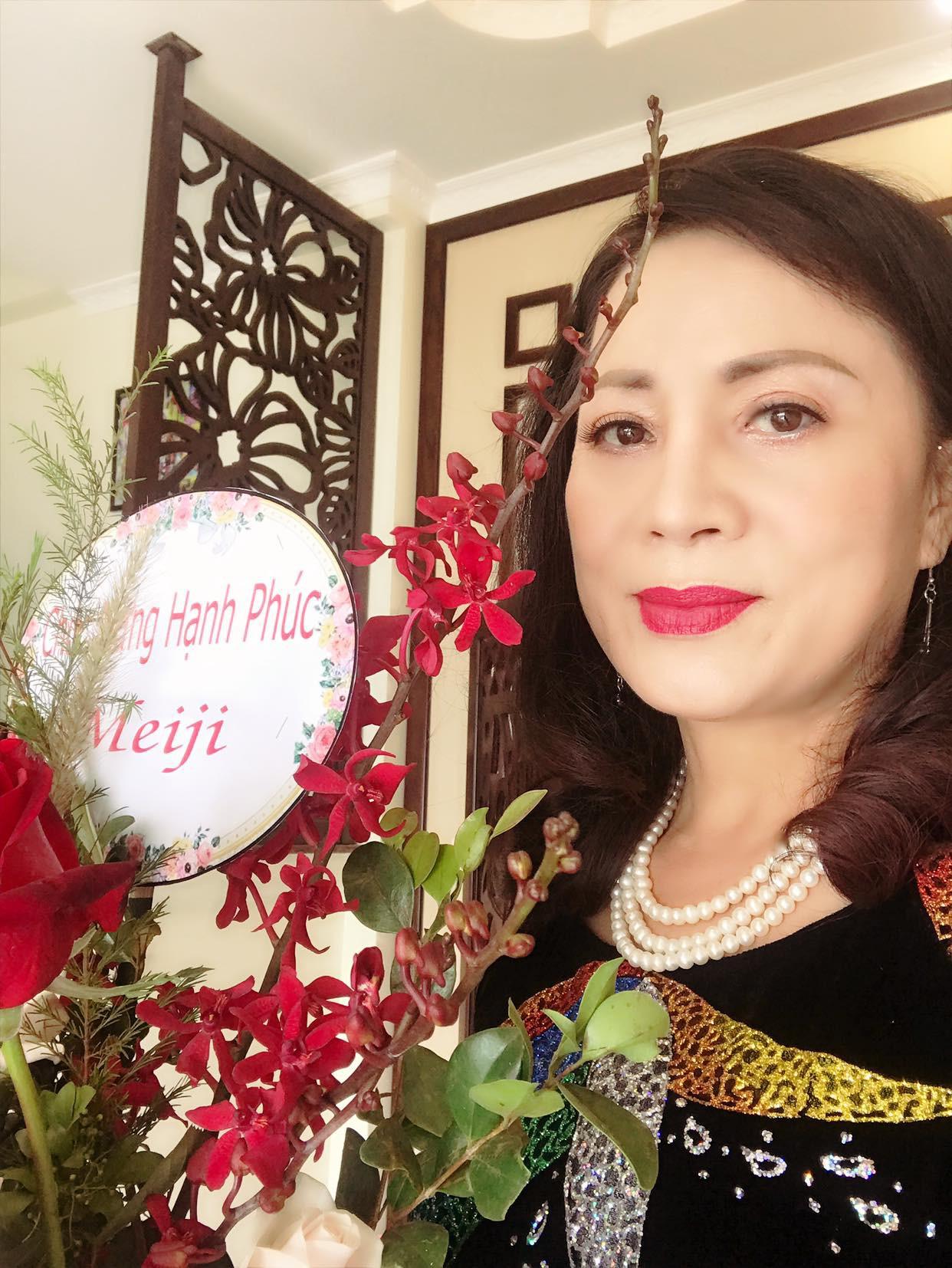 Con trai cơ phó vừa hủy hôn, con gái nghệ sĩ Hương Dung bất ngờ lên xe hoa, nhìn nhan sắc cô dâu ai cũng ngỡ ngàng-6