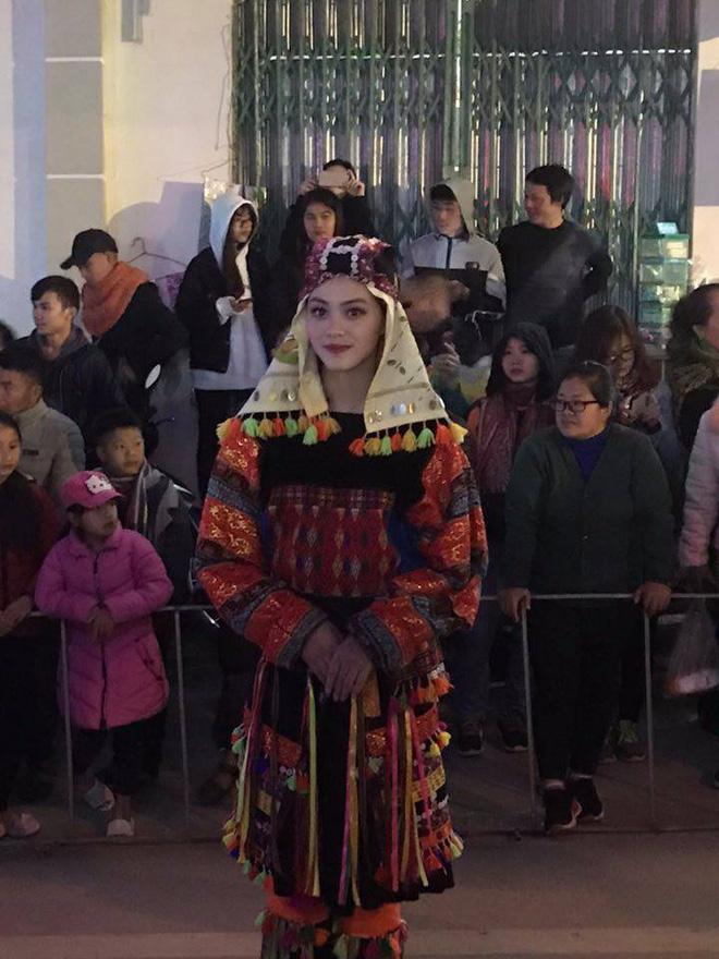 Bị chụp lén trong lễ hội tại Hà Giang, cô gái trong trang phục dân tộc gây bão-1