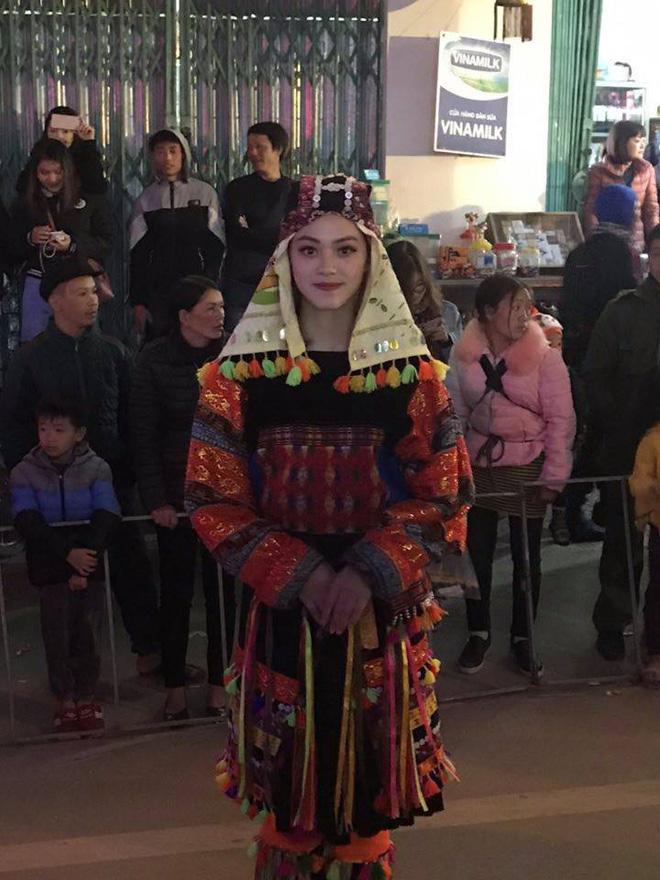 Bị chụp lén trong lễ hội tại Hà Giang, cô gái trong trang phục dân tộc gây bão-3
